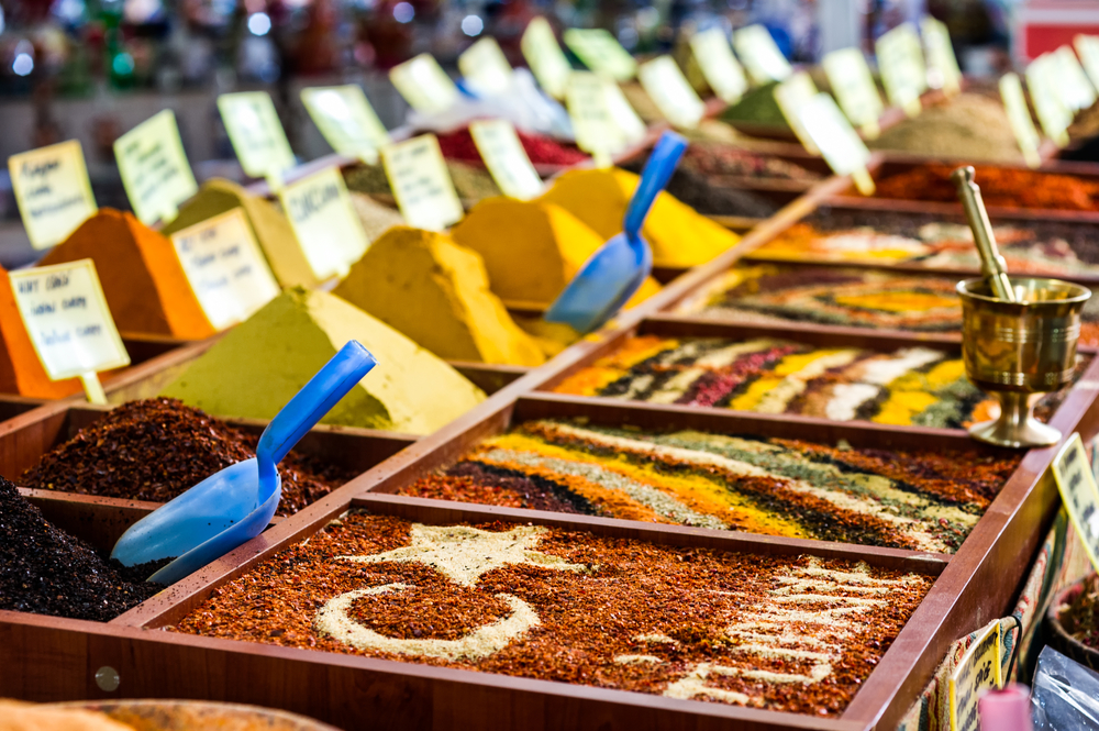 Лавка со специями на турецком рынке