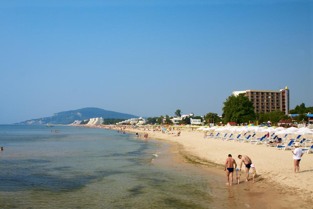 Пляжи в Албене